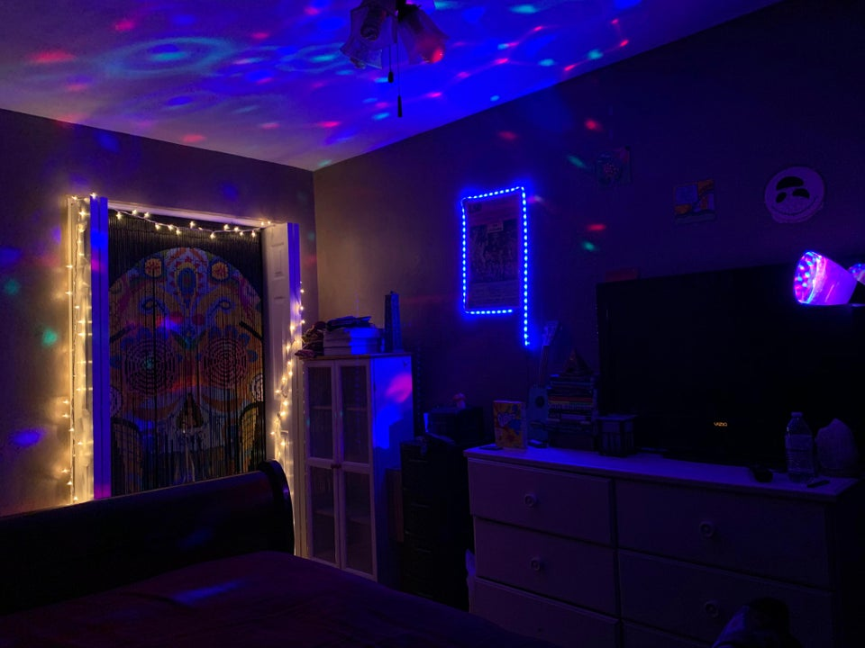 Trippy Room Essentials Your Guide To The Ideal Trip Cave Trip Cave